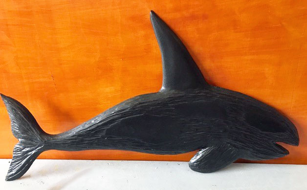 killer orca wood carving made on Vancouver Island by woodworker Kim Reavley